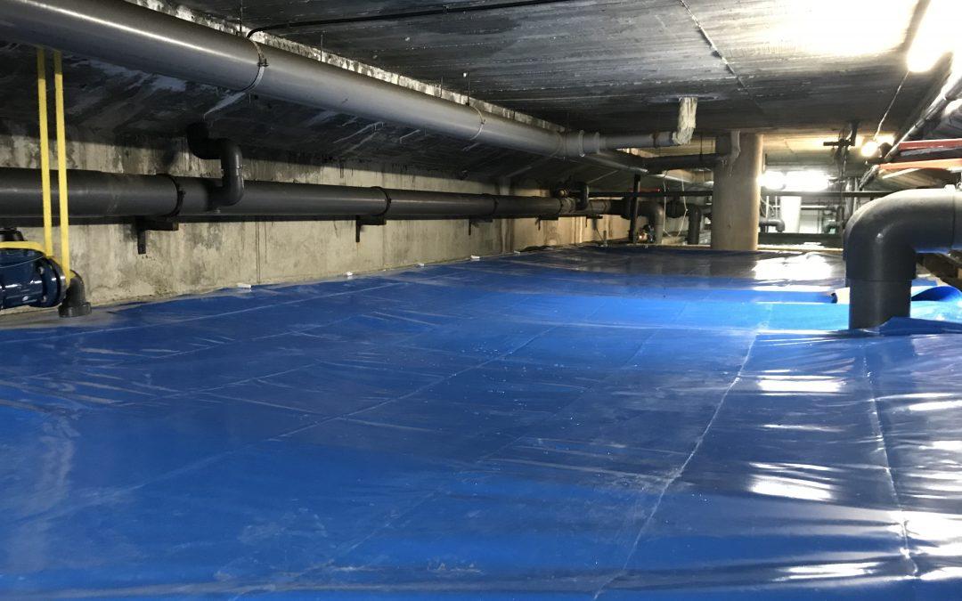 SOLATEP instala cubiertas a medida para vasos de compensación de las piscinas Atrium de Viladecans